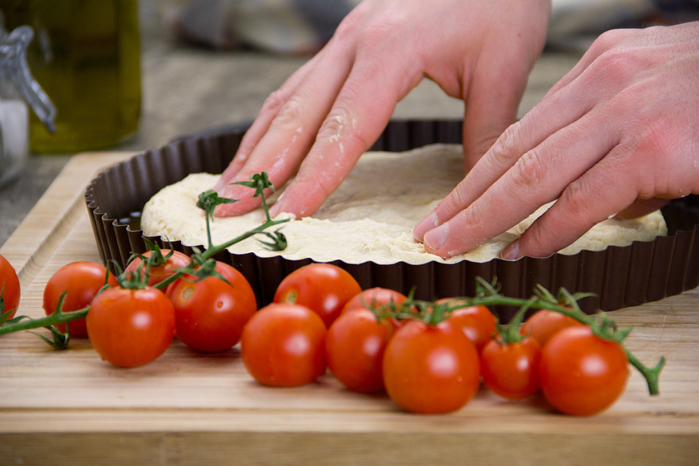 focaccia-pugliese-pomodori-olive-06