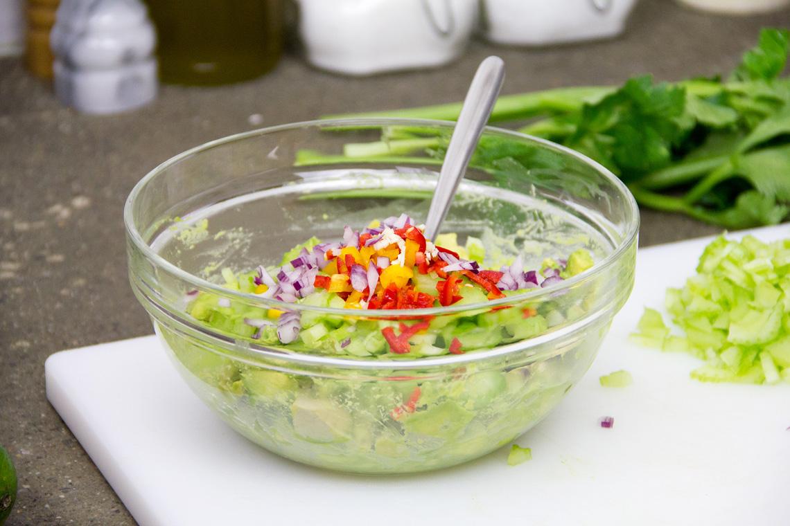 guacamole-avocado-sedano-04