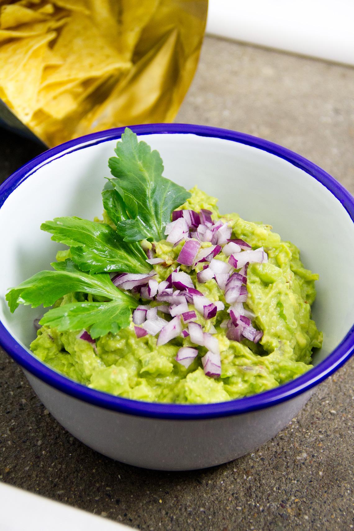 guacamole-avocado-sedano-05