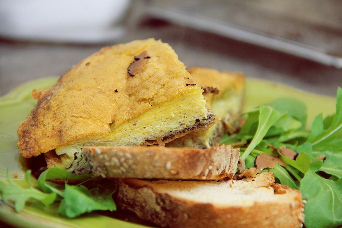 omelette-con-tartufo-nero-06
