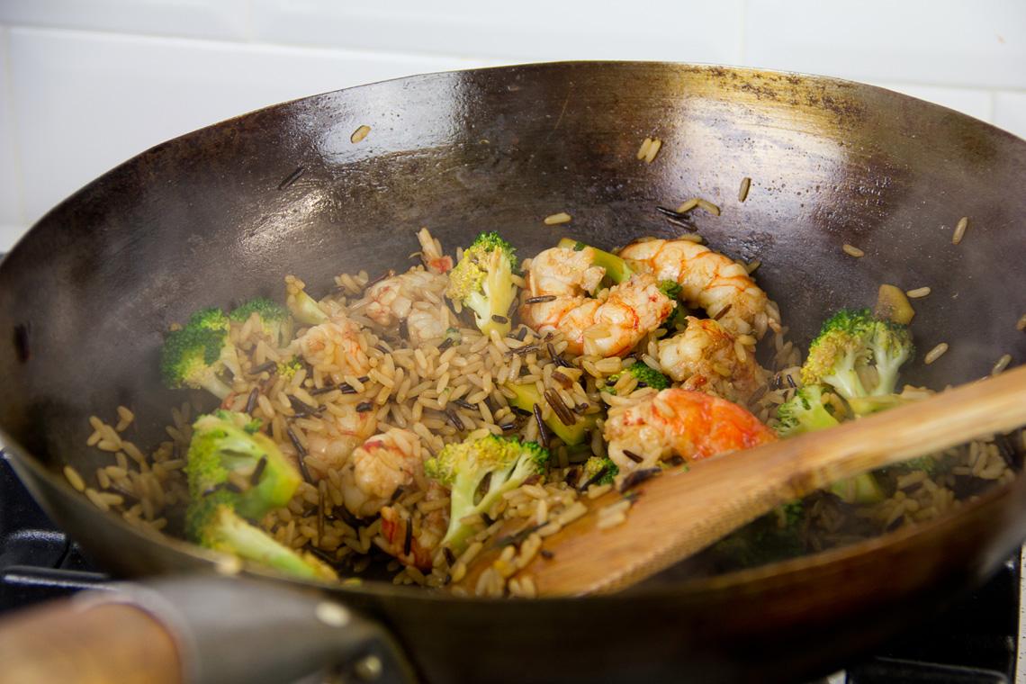 riso-wok-gamberi-broccoli-09