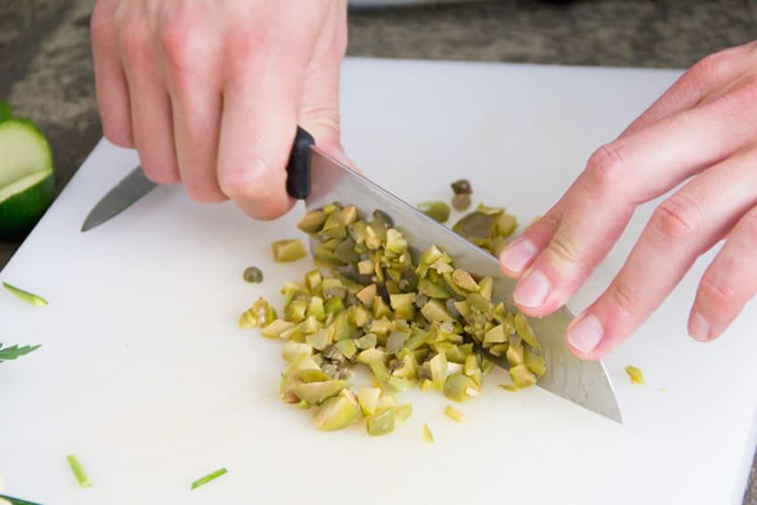 spaghetti-zucchine-olive-capperi-04