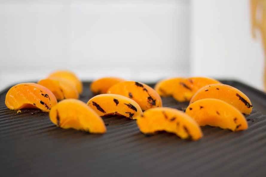 insalata-veloce-albicocche-feta-03