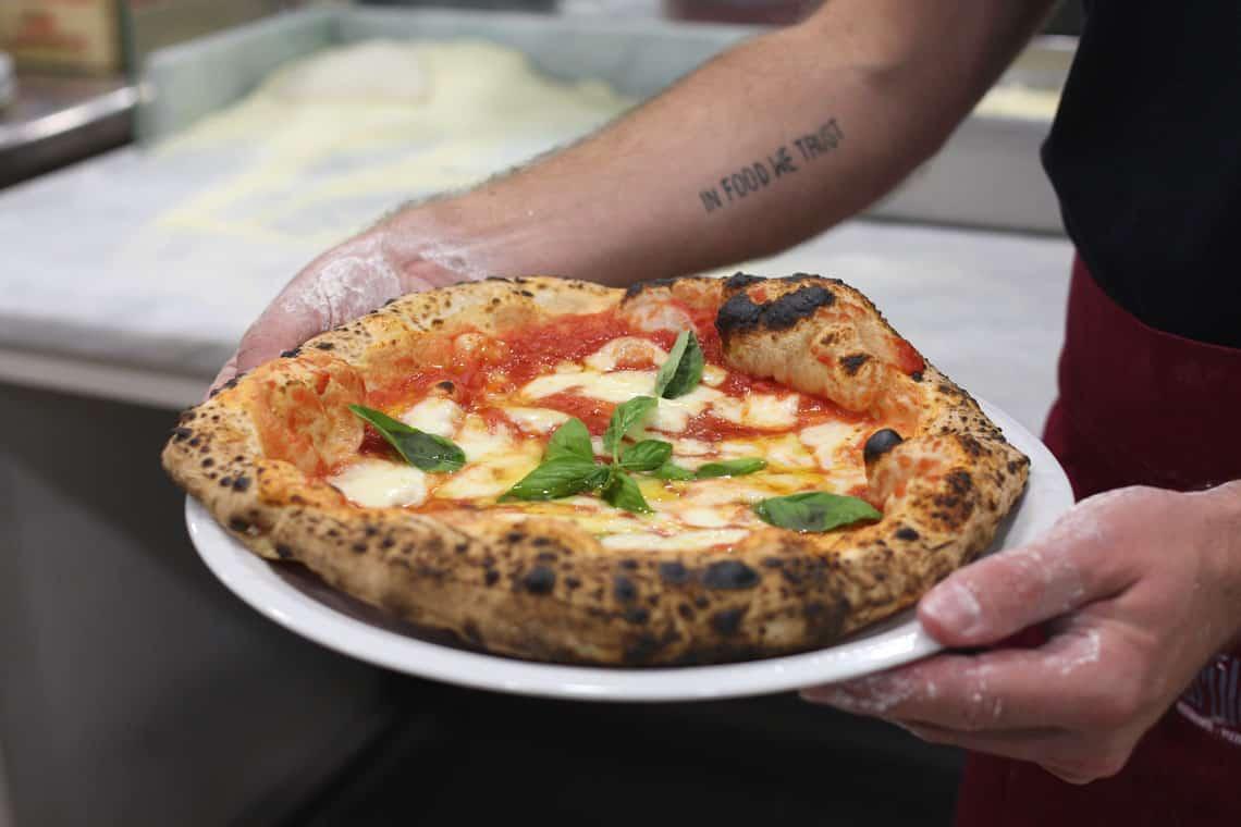 pizza-napoletana-ricetta-01