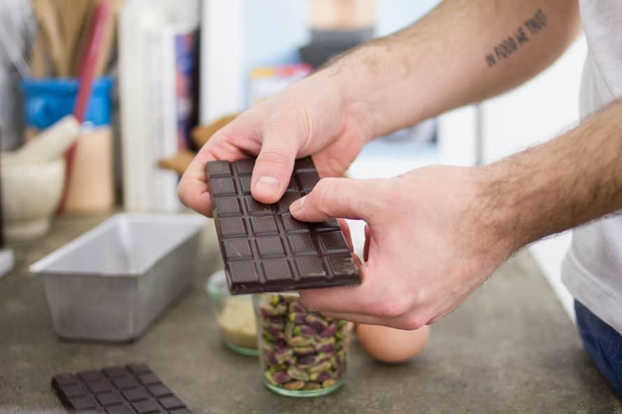 mattoncino-cioccolato-cocco-pistacchi-01
