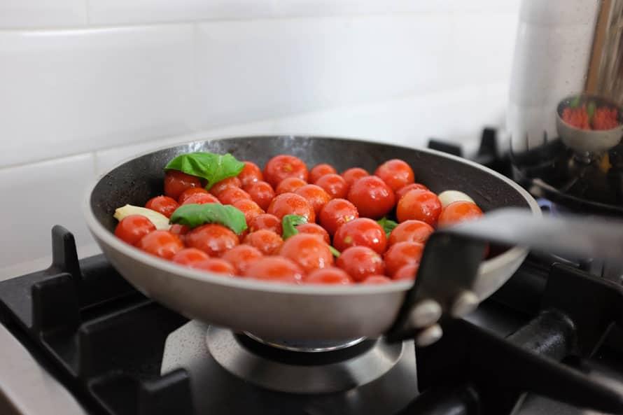 linguine-integrali-salsa-noci-pomodorini-05
