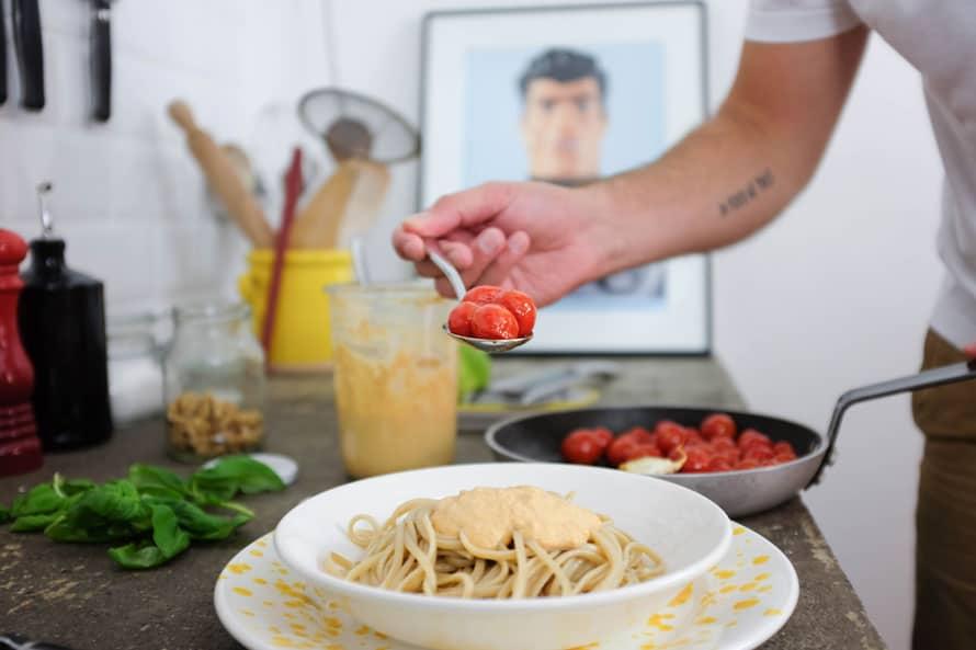 linguine-integrali-salsa-noci-pomodorini-06