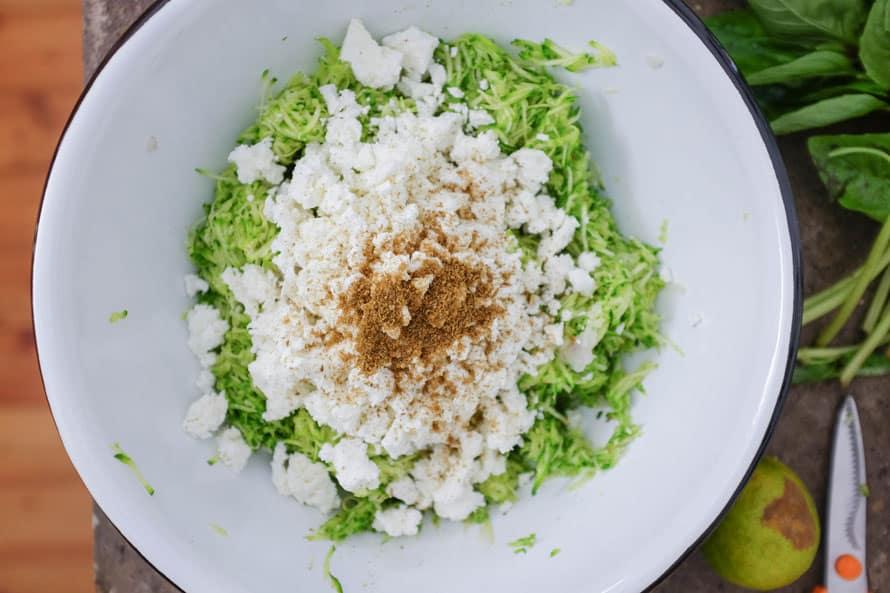 polpette-vegetariane-zucchine-feta-06