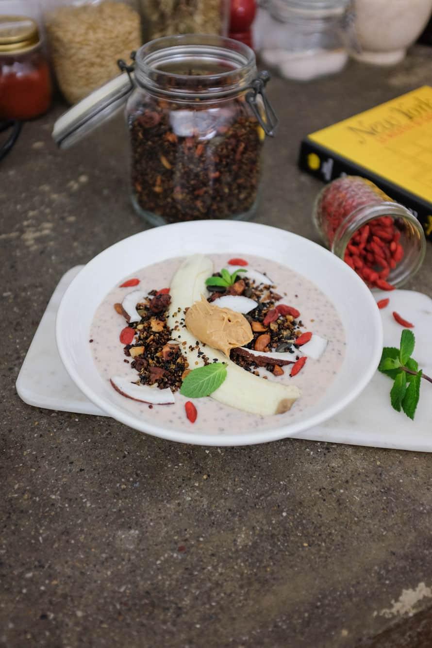 banana-chia-smoothie-granola-quinoa-061