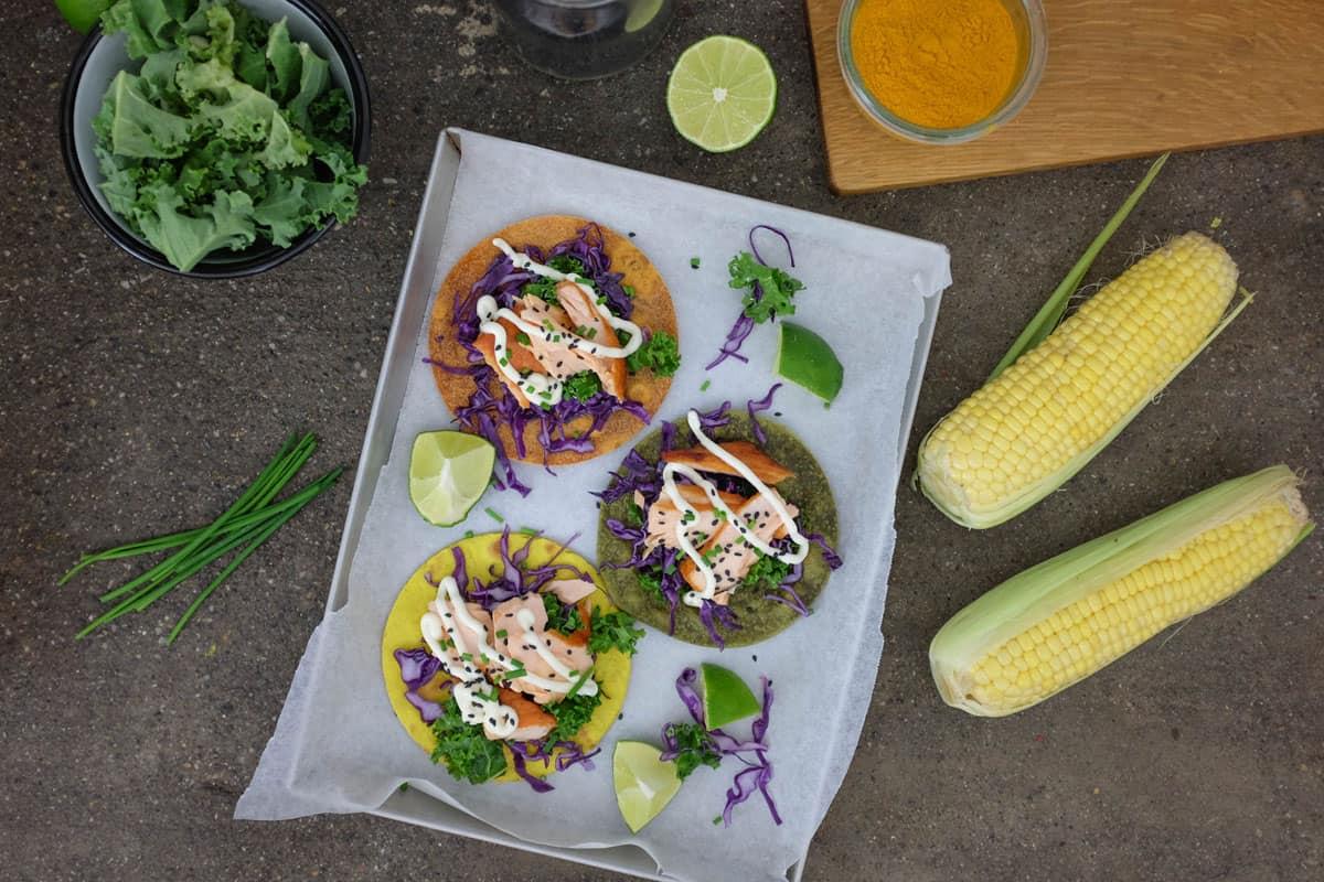 tacos-colorati-con-salmone-00