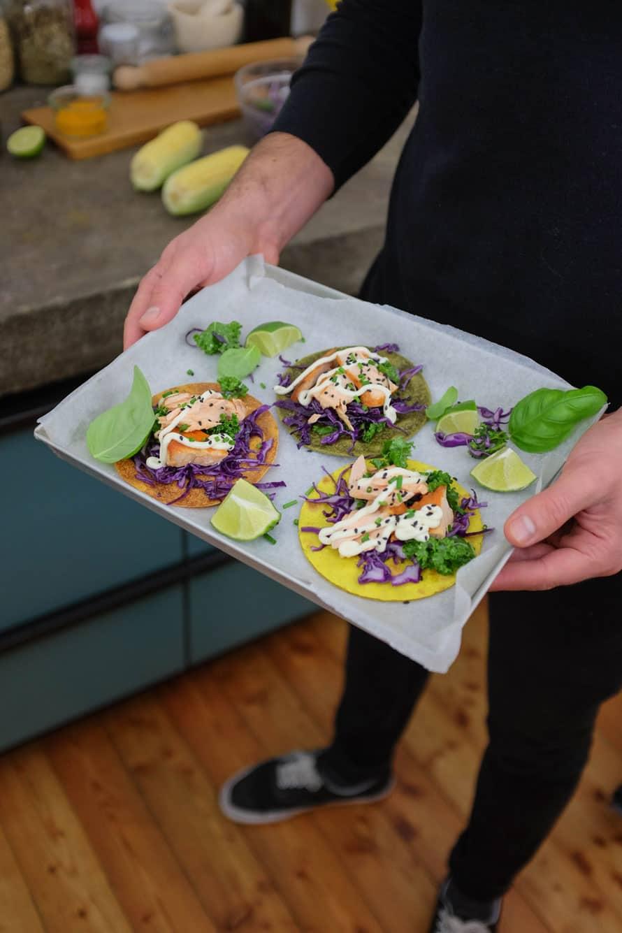 tacos-colorati-con-salmone-07