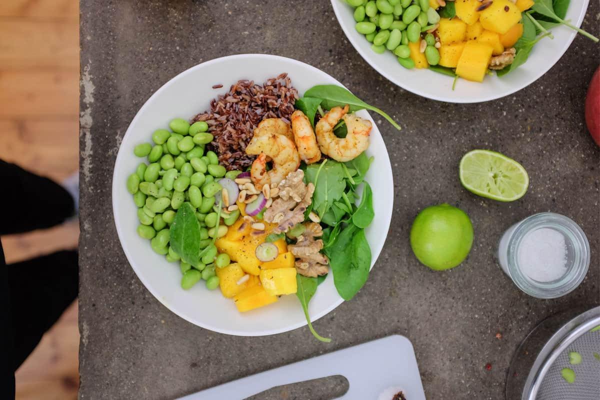bowl-gamberi-riso-edamame-mango-07