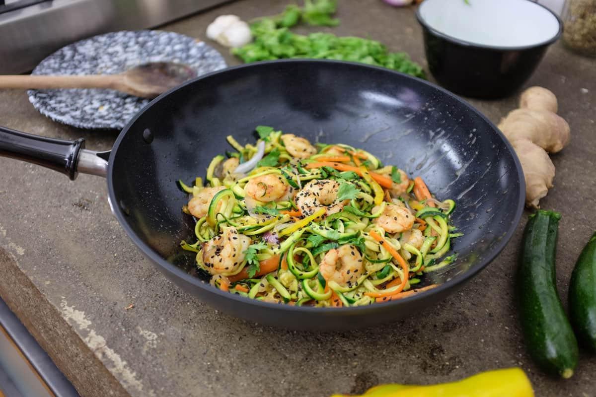 wok-spaghetti-zucchine-gamberi-14