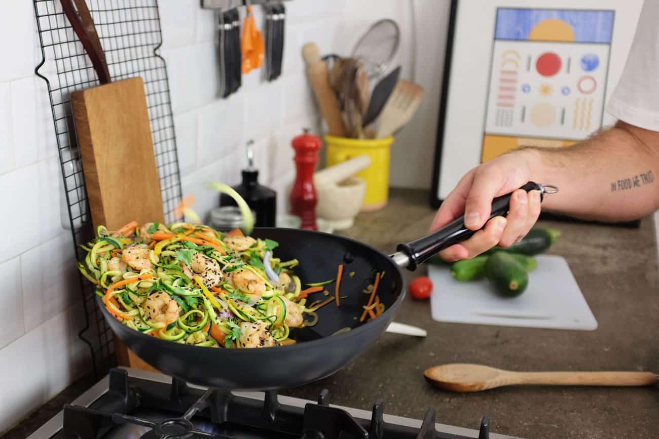 wok-spaghetti-zucchine-gamberi